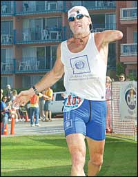 Willie Stewart won the Ninth Annual San Diego Triathlon Challenge in a time of 4:42:40.