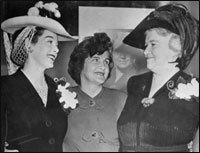 January 1943, Sister Kenny in Hollywood. From left: Rosalind Russel, who was to star in the movie,